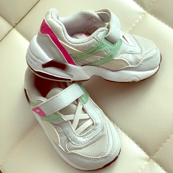 Puma kinder fit sneakers size 7 toddler girl